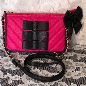 💋XOX Betsey Johnson Crossbody Bag
